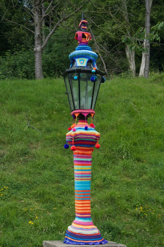 Kaffe Fassett lamp post